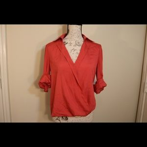 Gianni Bini roll up v-neck pink button up blouse